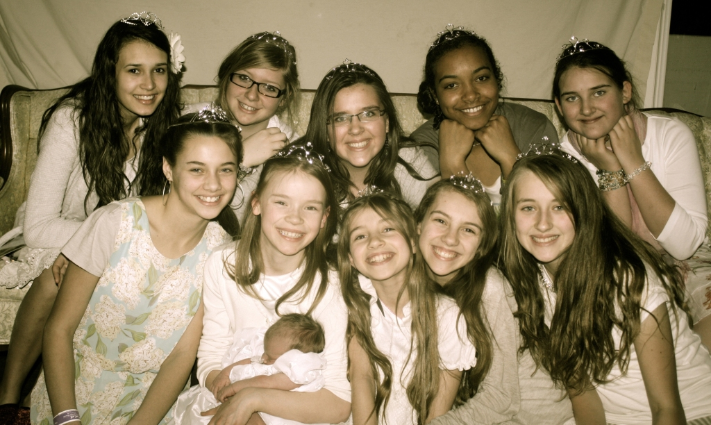 10 princess's prepare to enter the 'House of the Lord'