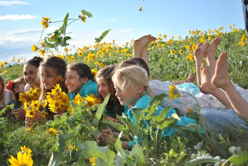 girls sunflowers